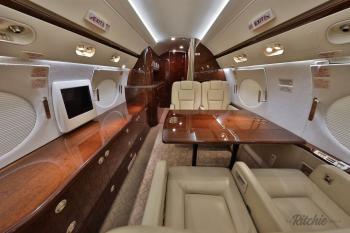 2010 Gulfstream G450 - Photo 10
