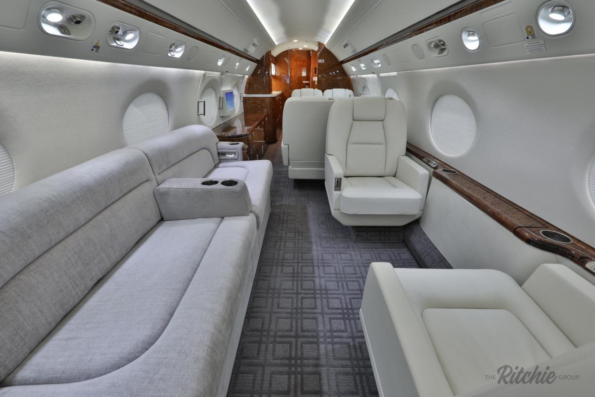 2004 Gulfstream G550 Photo 6
