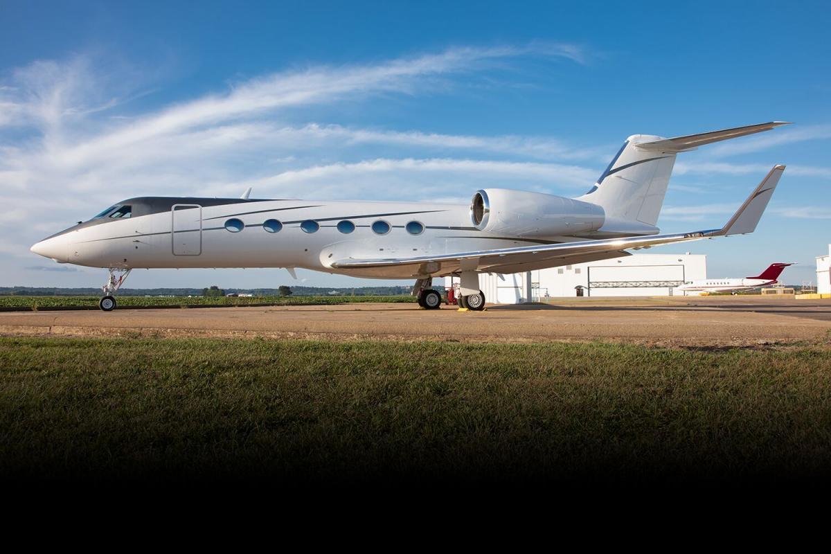 2010 Gulfstream G450 - Photo 1