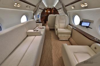 2010 Gulfstream G450 - Photo 6
