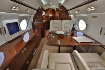 2010 Gulfstream G450 - Photo 7