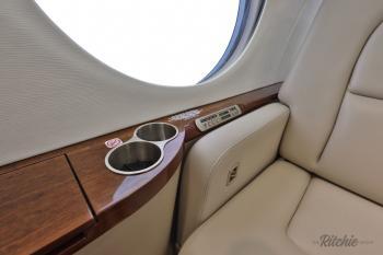 2010 Gulfstream G450 - Photo 9