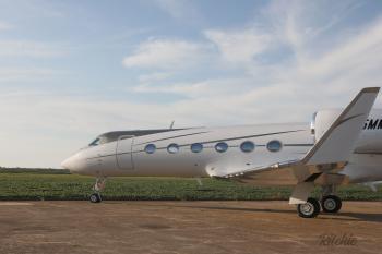2010 Gulfstream G450 - Photo 2