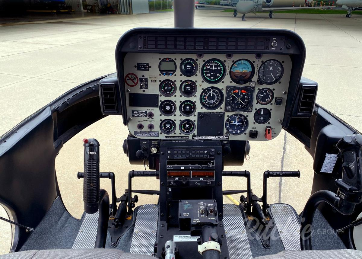 1996 Bell 407 Photo 4