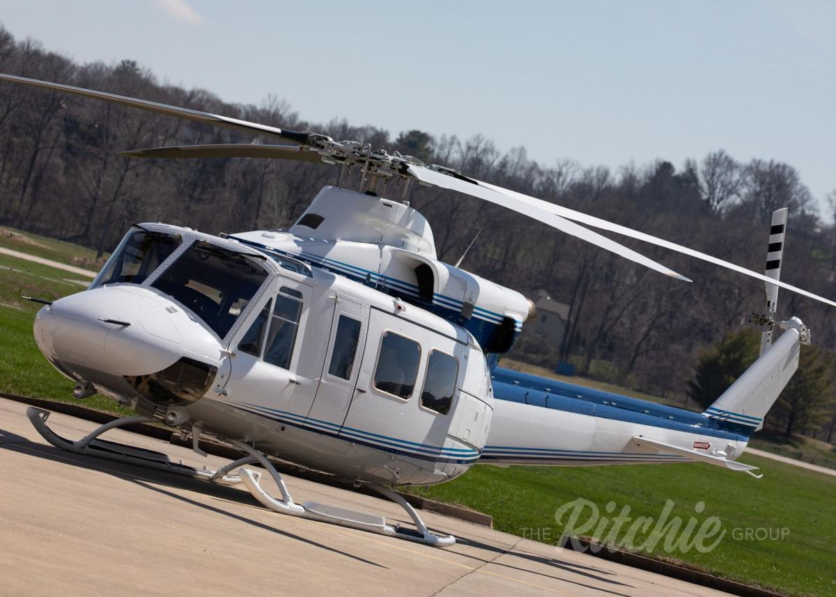 1987 Bell 412SP Photo 3