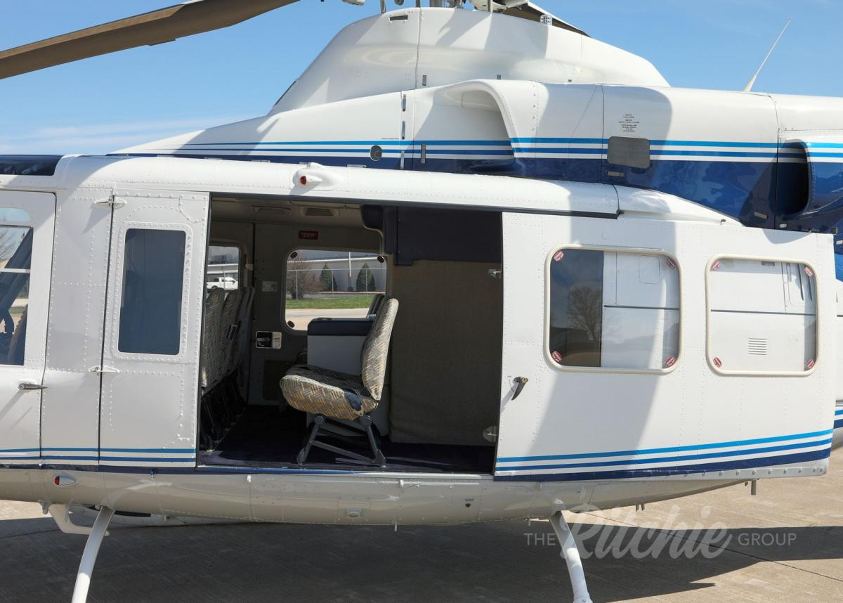 1987 Bell 412SP Photo 4