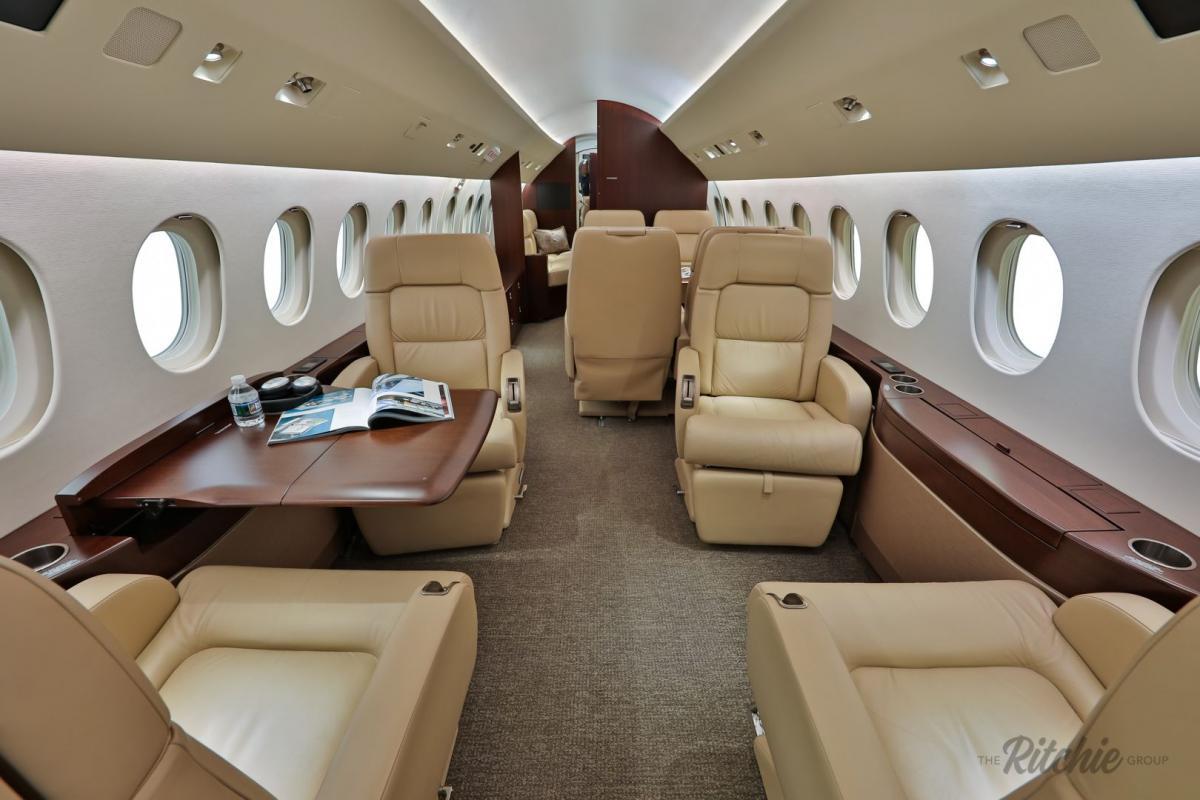 2010 Dassault Falcon 900LX Photo 2