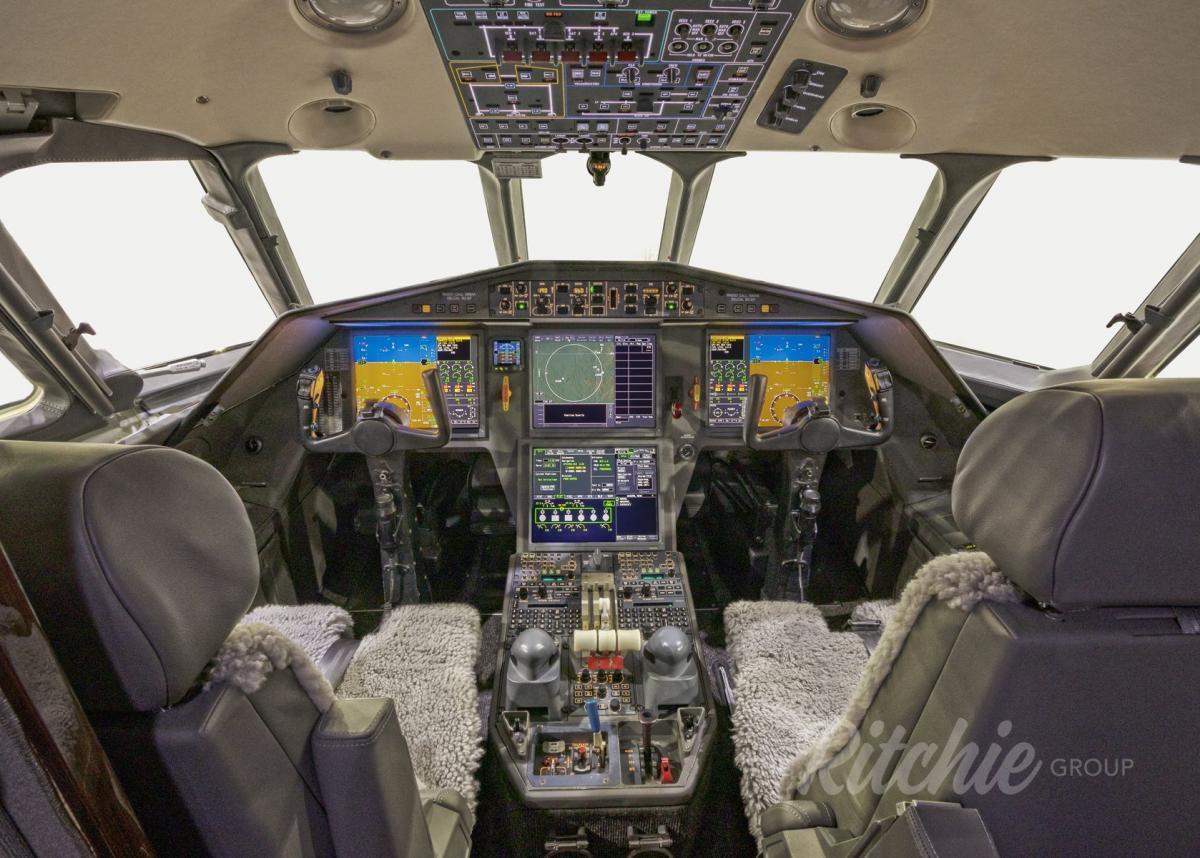 2007 Dassault Falcon 900DX Photo 3