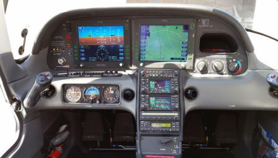 2006 Cirrus SR22 Photo 5