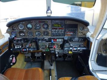 1977 PIPER TURBO ARROW III  - Photo 2