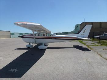 1981 CESSNA 172P SKYHAWK  - Photo 2
