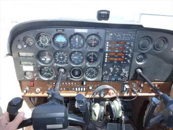 1981 CESSNA 172P SKYHAWK  - Photo 3