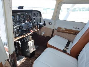 1981 CESSNA 172P SKYHAWK  - Photo 4