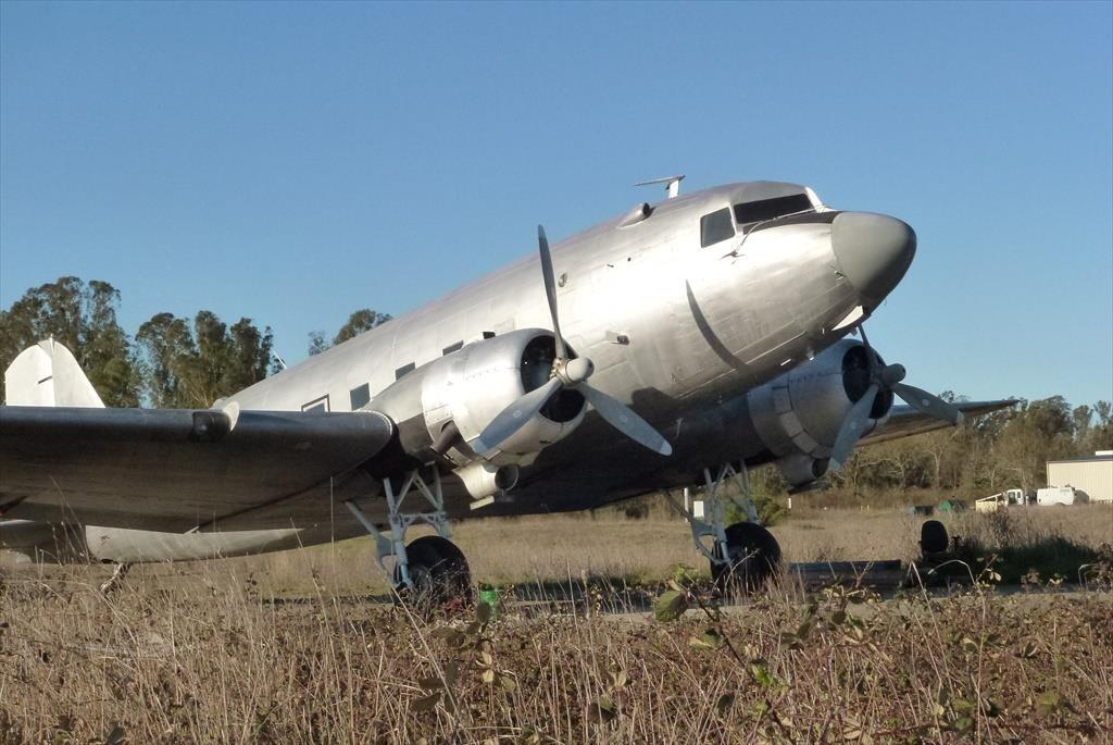 1941 DOUGLAS DC-3A Photo 2