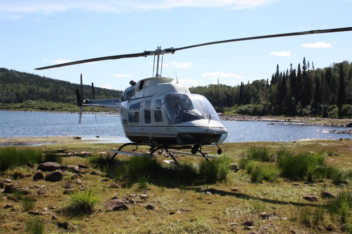 1979 BELL 206L Photo 2