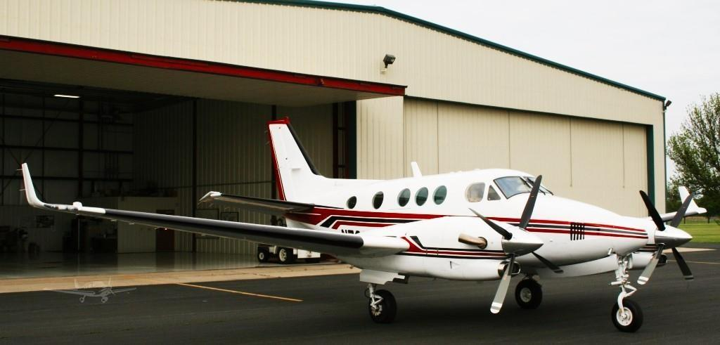 1991 BEECHCRAFT KING AIR C90A Photo 3