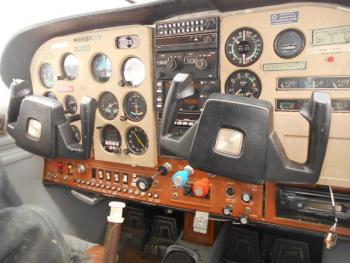 1976 Cessna 185F - Photo 4