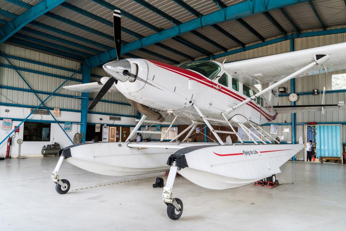 2004 Cessna Caravan 208 - Photo 1