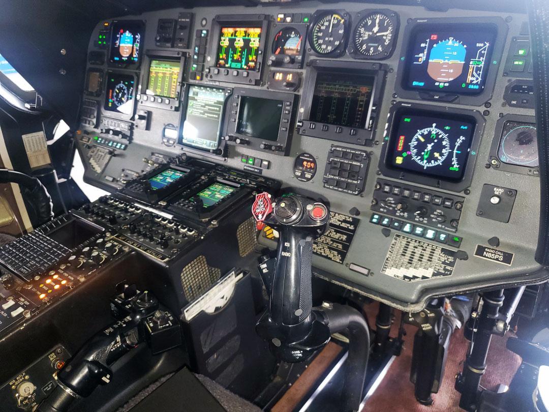 1998 Sikorsky S-76C+ Photo 6