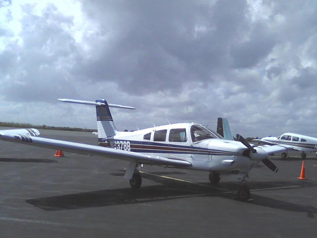 1981 Piper Arrow IV Photo 2