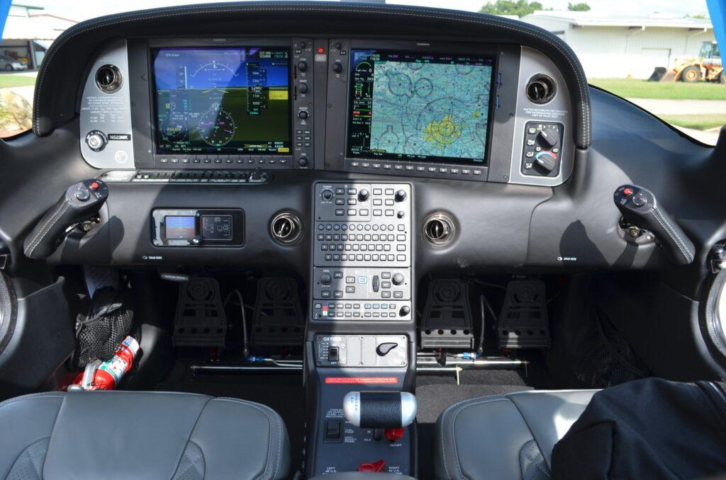 2019 Cirrus SR22 G6 Turbo Photo 4