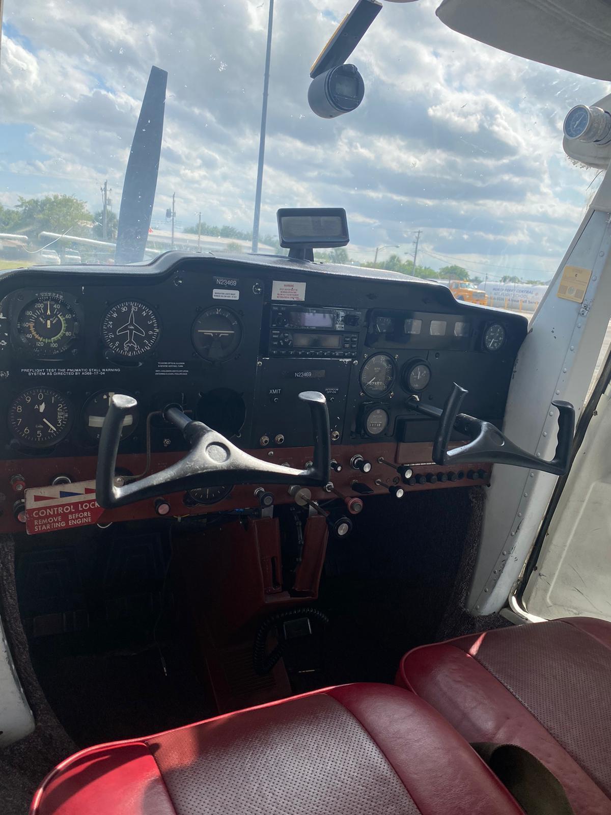 1968 Cessna 150H Photo 4