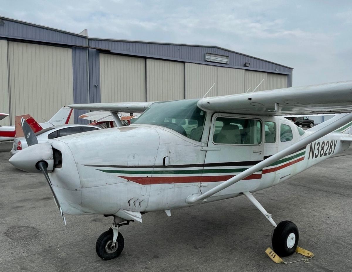1964 Cessna 210D Centurion Photo 3