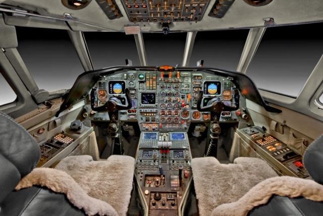 Dassault Falcon 50-4 Photo 2