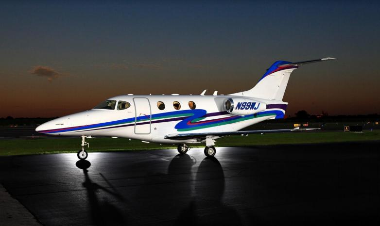 2002 Beechcraft Premier - Photo 1