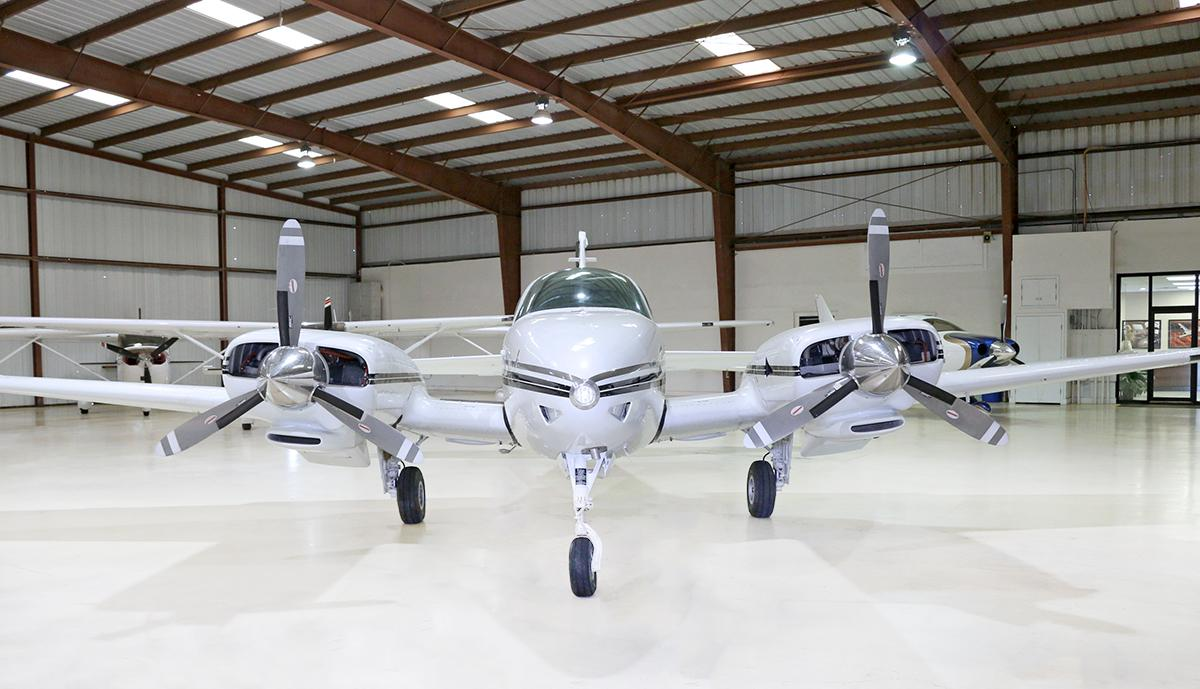 1968 BEECHCRAFT 56TC BARON Photo 4