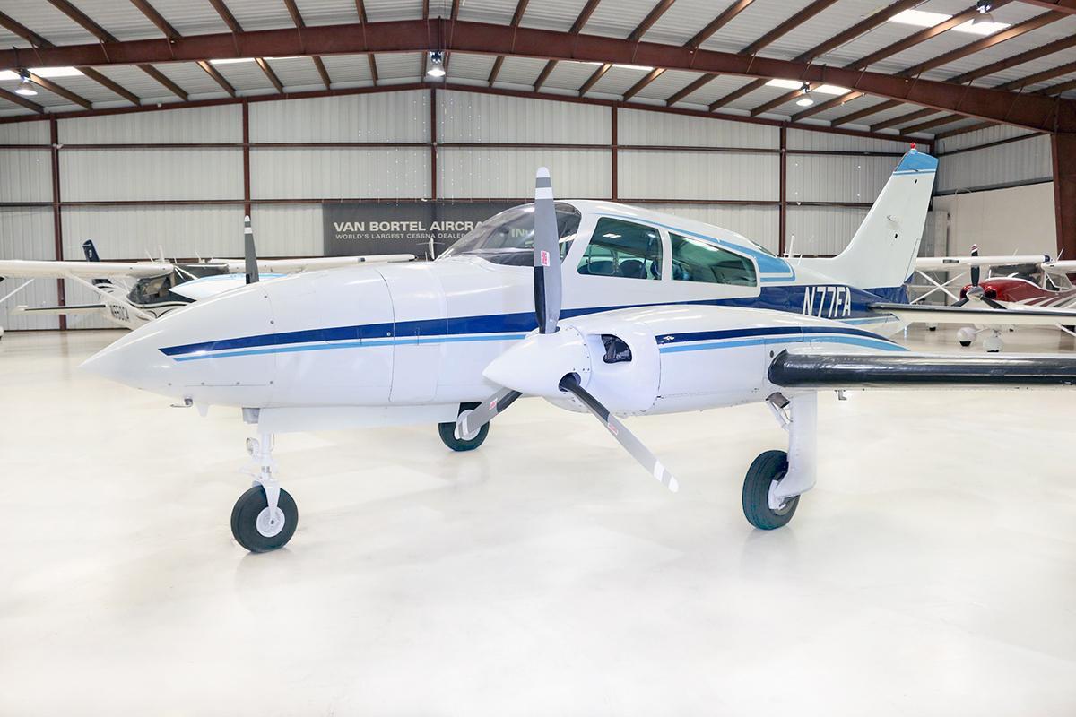 1974 Cessna 310R Photo 3