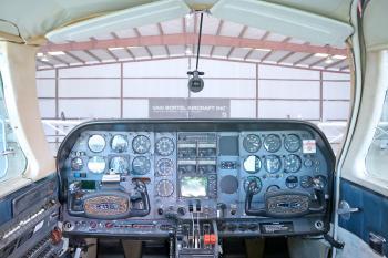 1974 Cessna 310R - Photo 6