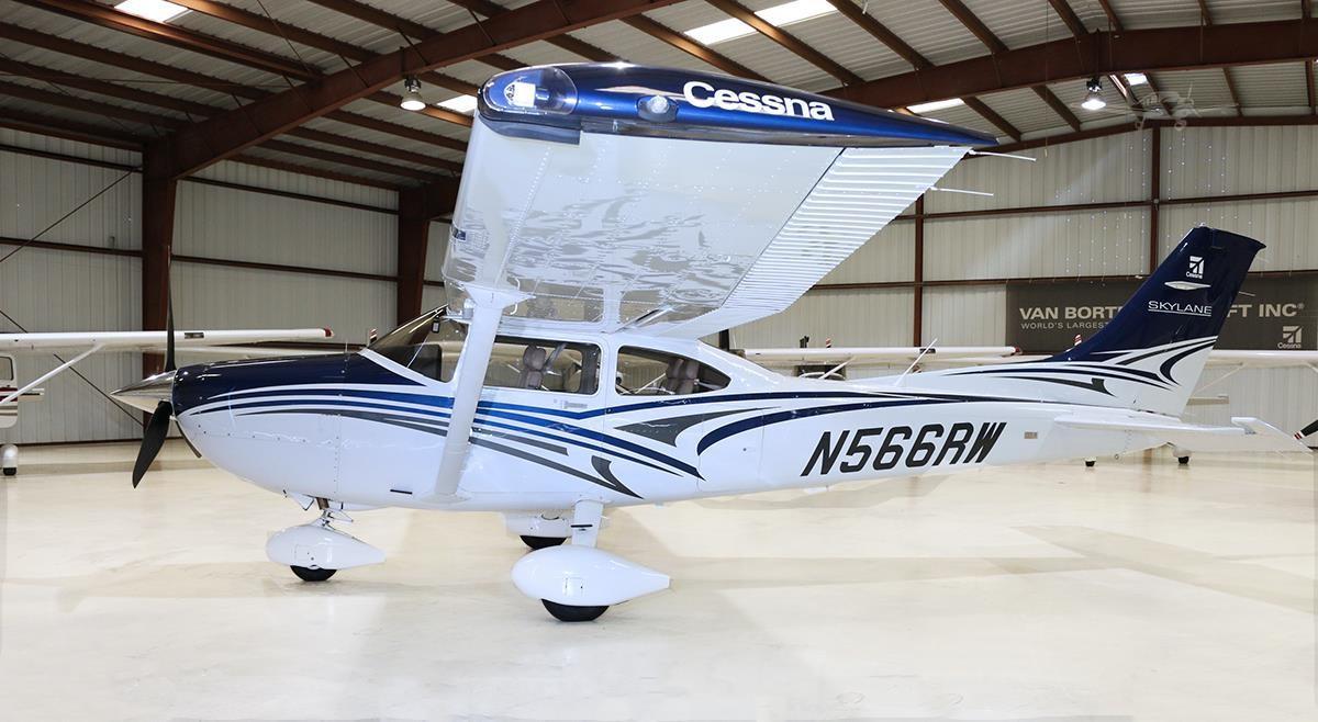 2016 Cessna 182T Skylane - Photo 1