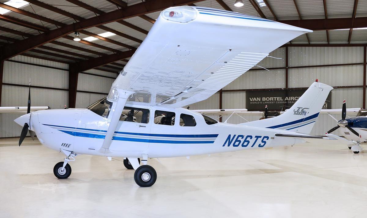 2001 Cessna T206H Turbo Stationair Photo 2