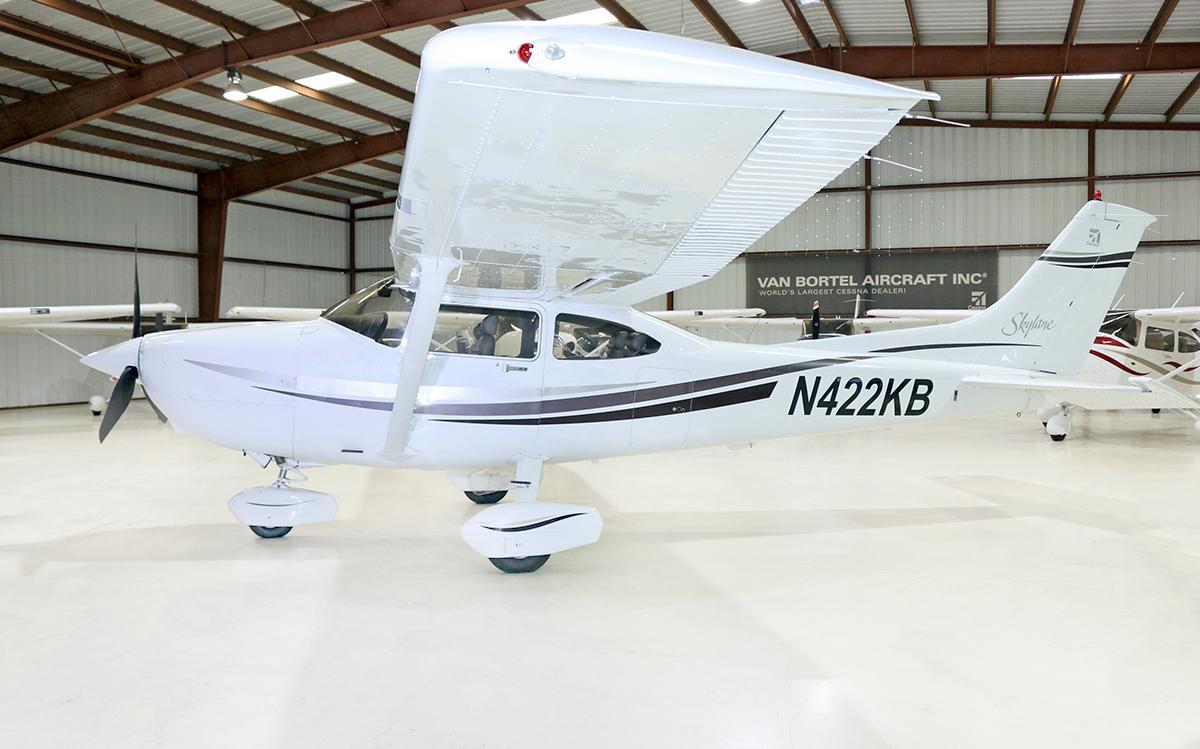 1999 Cessna 182S Skylane - Photo 1