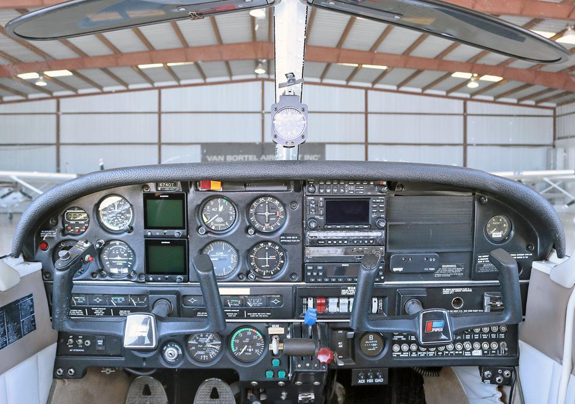 1969 Piper Arrow PA-28R-200 Photo 7