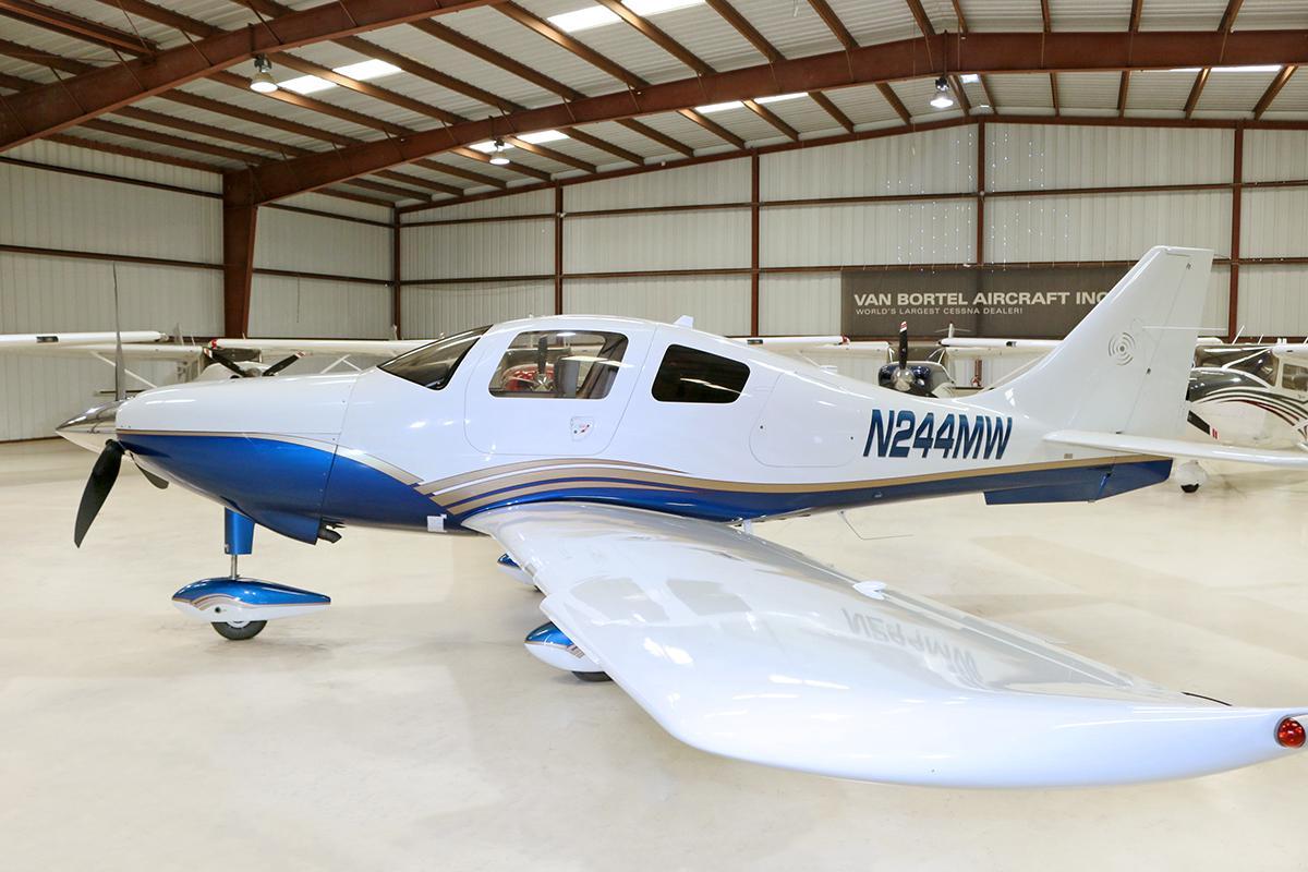 2006 Cessna 400 SL Photo 3
