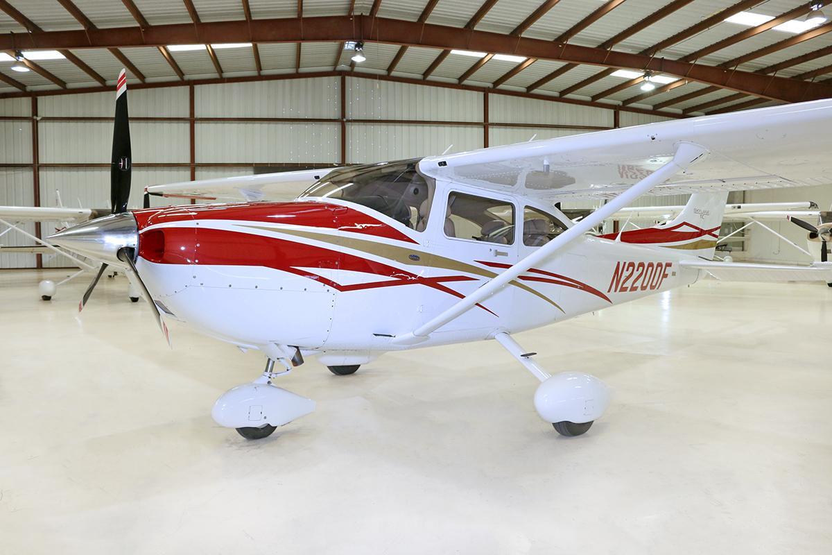 2007 Cessna T182T Turbo Skylane Photo 2