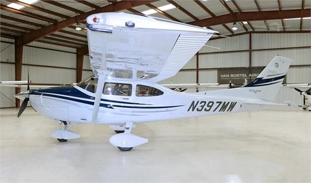 2005 CESSNA TURBO 182T SKYLANE Photo 2