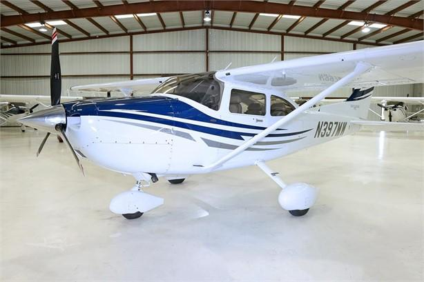 2005 CESSNA TURBO 182T SKYLANE Photo 3